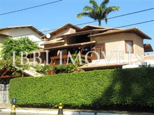 Excellent house with 4 bedrooms and 4 Bedrooms in Piata