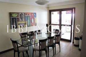 Casa eccellente con 3 piani in Itaigara