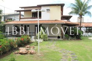 Excellent house with 3 floors in Itaigara