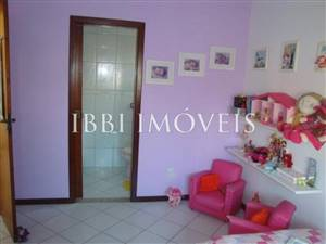Excellent house 4 Bedrooms 2 floors