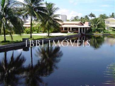 Luxury home in excellent location at Interlagos