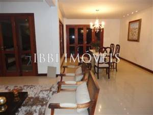House With 5 Bedrooms In Condo