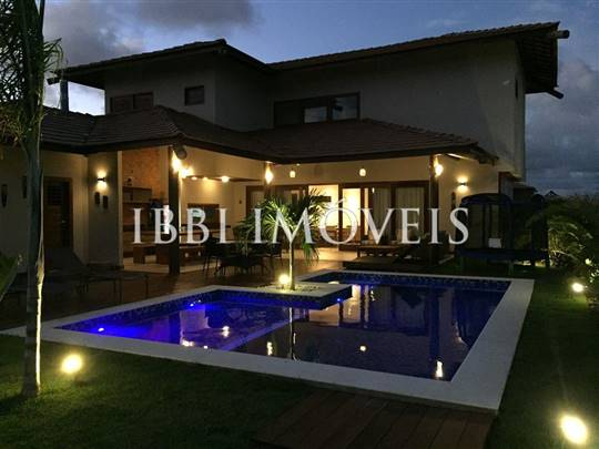Luxury House With 5 Bedrooms 1