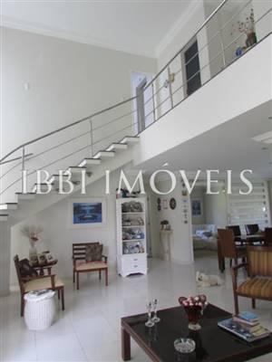Beautiful House And Otima Price Opportunity